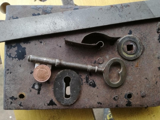 rim lock, church lock repair